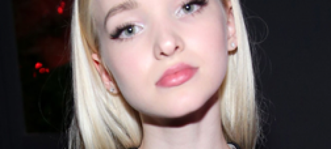Dove Cameron comparece ao Nylon Young Hollywood Party (12/05); veja fotos