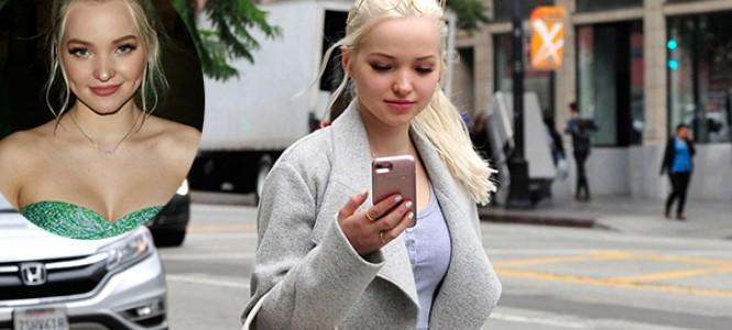 Dove Cameron é clicada em Hollywood por duas vezes na mesma semana; veja fotos