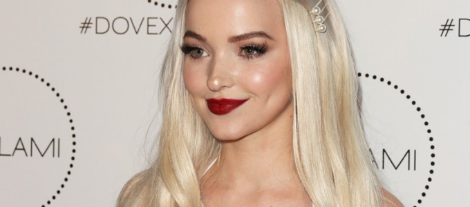 "Dove Cameron comparece ao ""The Talk"" e fala sobre seu primeiro single"
