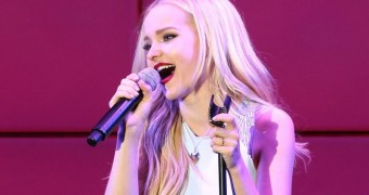 """An Evening With Dove Cameron"": Dove anuncia seus dois primeiros shows"