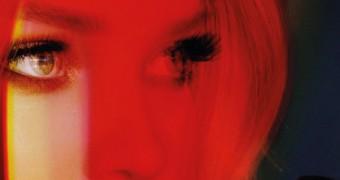 "Dove Cameron divulga capa de novo Single, ""Remember Me""; veja"