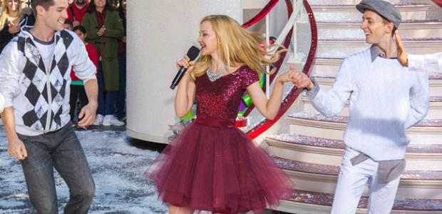 Dove-Cameron-Disney-Parks-Christmas-Day-Parade